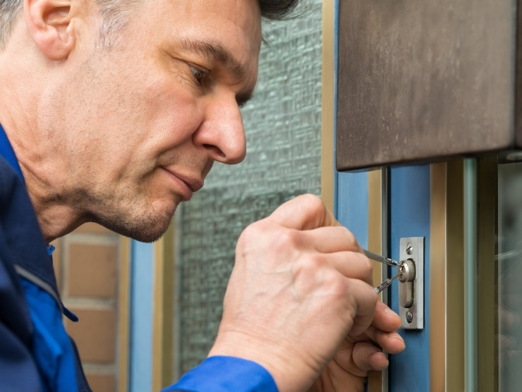 Domestic Lockout Services